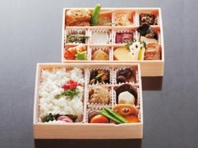 精進折箱_2,400円(税込)